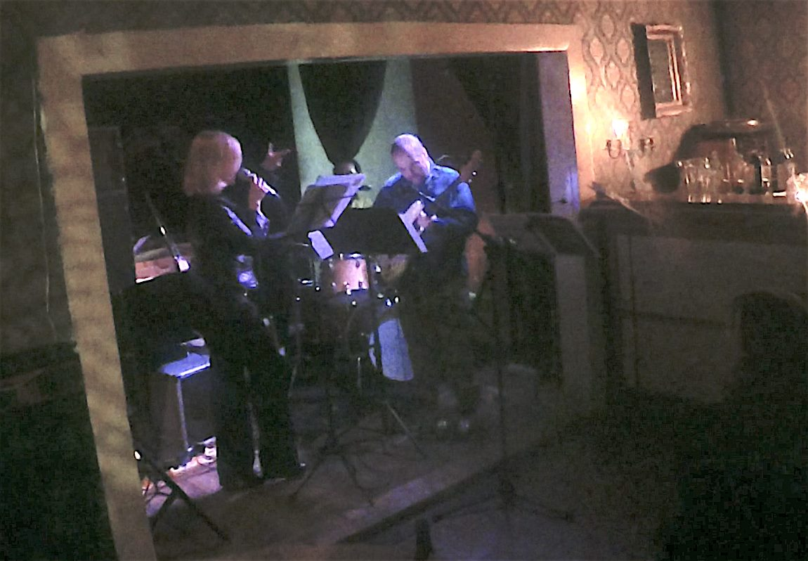 """Singing """"Instinct"""" with Gene Pritsker & EMX (Eclectic Music eXtravaganza) at SOWIESO in Berlin (2019)"""
